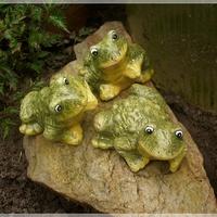 Żabki trzy...