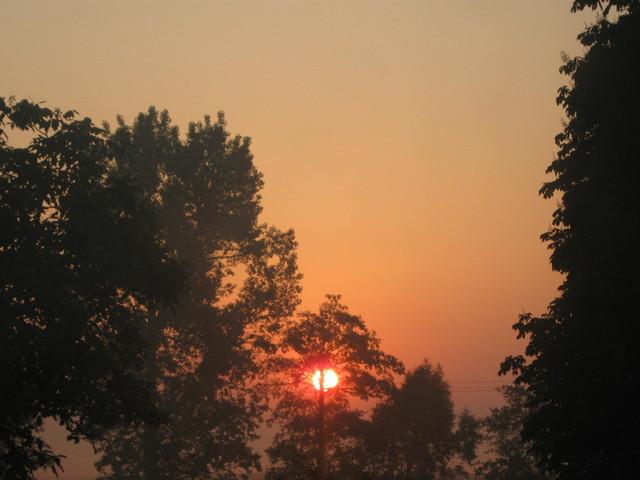 Dzisiejsze wschodzące słońce...
