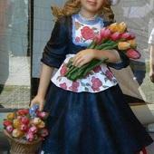 Pozdrawiam Was kwiatami... Kwiatami, które uszczknełam, Pozdrowień przyjmijćie tysiące! Ach! ileż razy sie zgiełam, Gdy je zbierałam na łące... I do serca przycisnęłam Nie raz, a razy tysiące dla Was! Pogodnego każdego dnia Wam życzę:)))