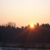 Mroźny wschód słońca
