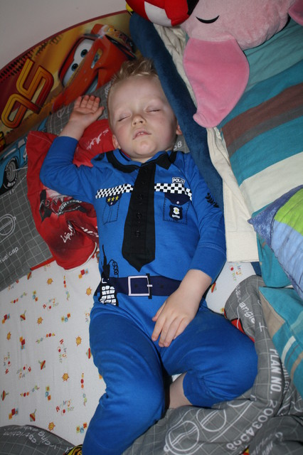 Moj malutki policjancik :)