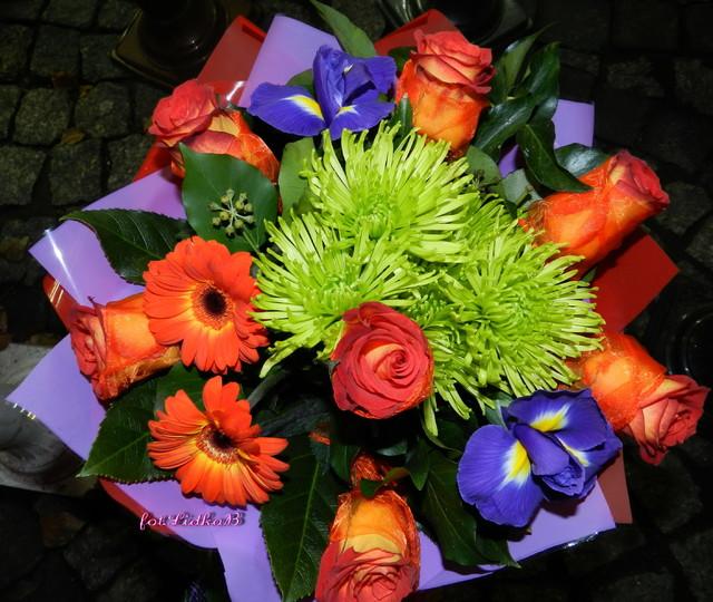 Bukiet kwiatów,róże,gerbera,irysy
