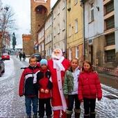 Mikołaj zawsze z dziećmi !