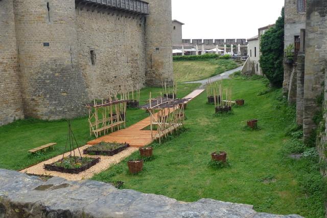 ,,ogrodki warzywne .....przenośne,,
