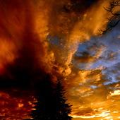 Niezwykłe kolory  nieba  o zachodzie Słońca  -2013.10.28