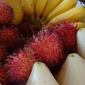 A na deser owoce,