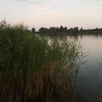 nad jeziorem....