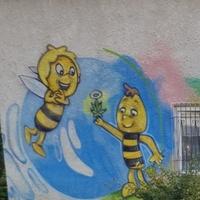 Miłego wtorku życzy pszczółka Maja