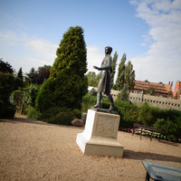 Pomnik w Botanicznym