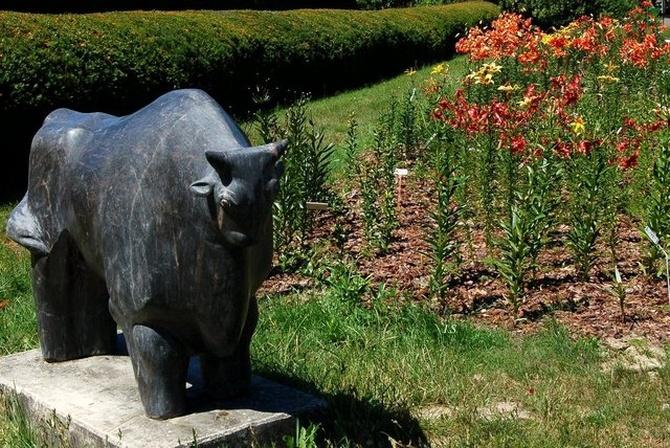 liliowce i rzeźba w O.B.