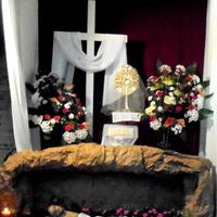 Kwiaty przy Grobie Pańskim w moim kościele.