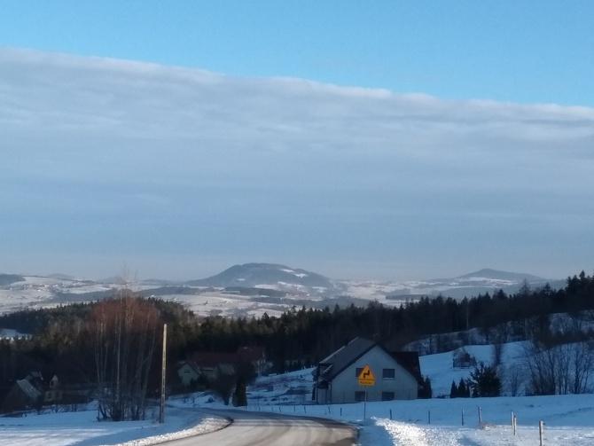 Zima ale to w górach choć blisko .