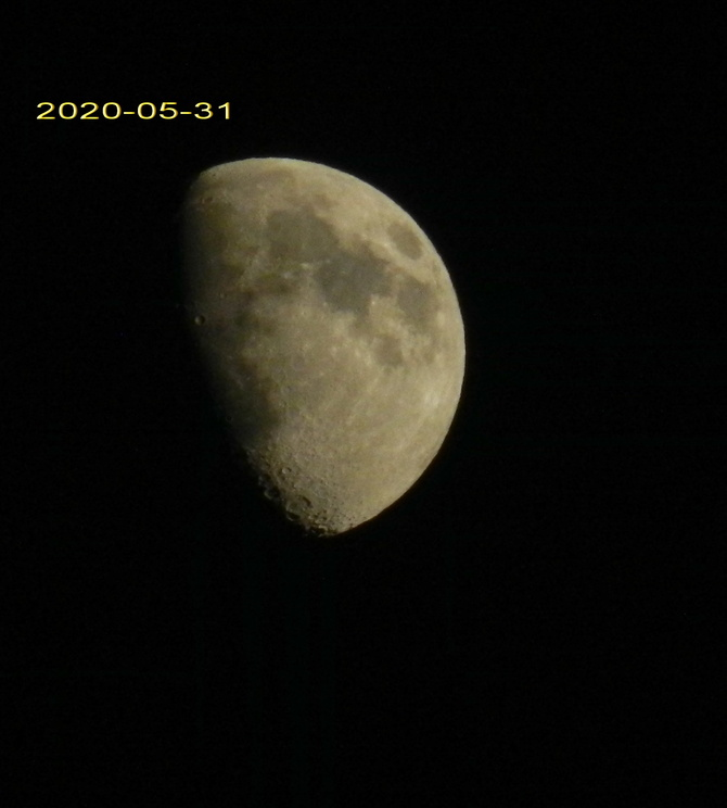 Księżyc .......