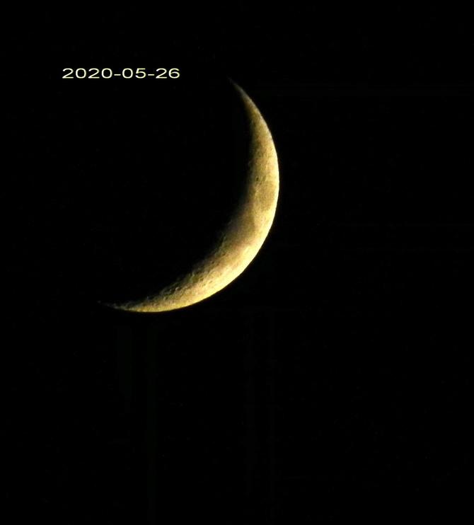 Młody księżyc