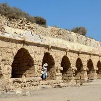Akwedukt w Cezarei nad Morzem Śródziemnym