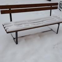 Śniegowa ławka...
