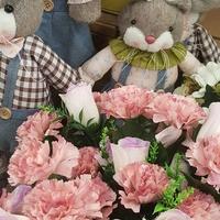 Kwiaty i zające....